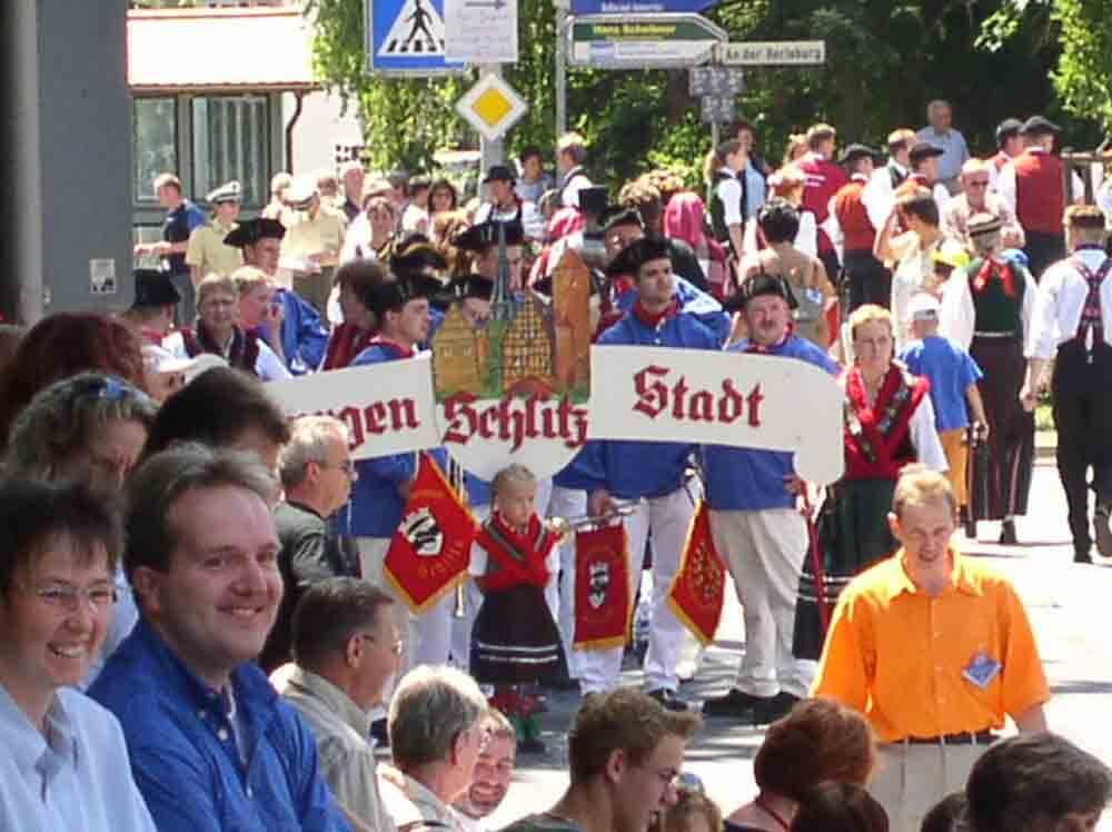 Ausnahmezustand im Schlitzerland: Beim viertägigen Trachtenfest bleibt die Zeit stehen (Foto: ferienwohnung-schlitz.de)