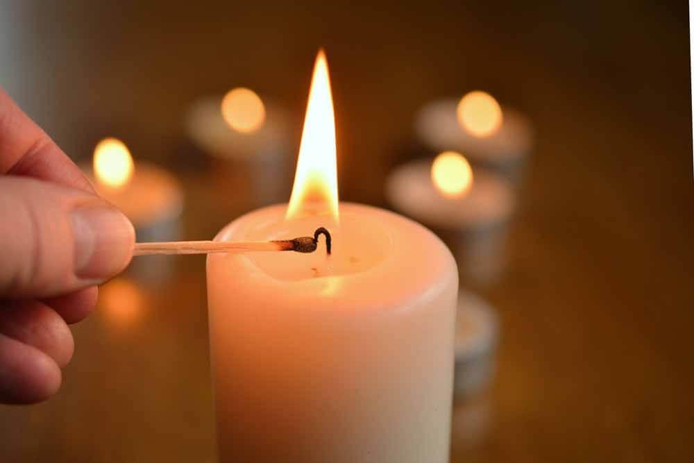 Mit-Kerzenlicht-wird-jeder-Raum-gemütlicher_ferienwohnung-schlitz.de