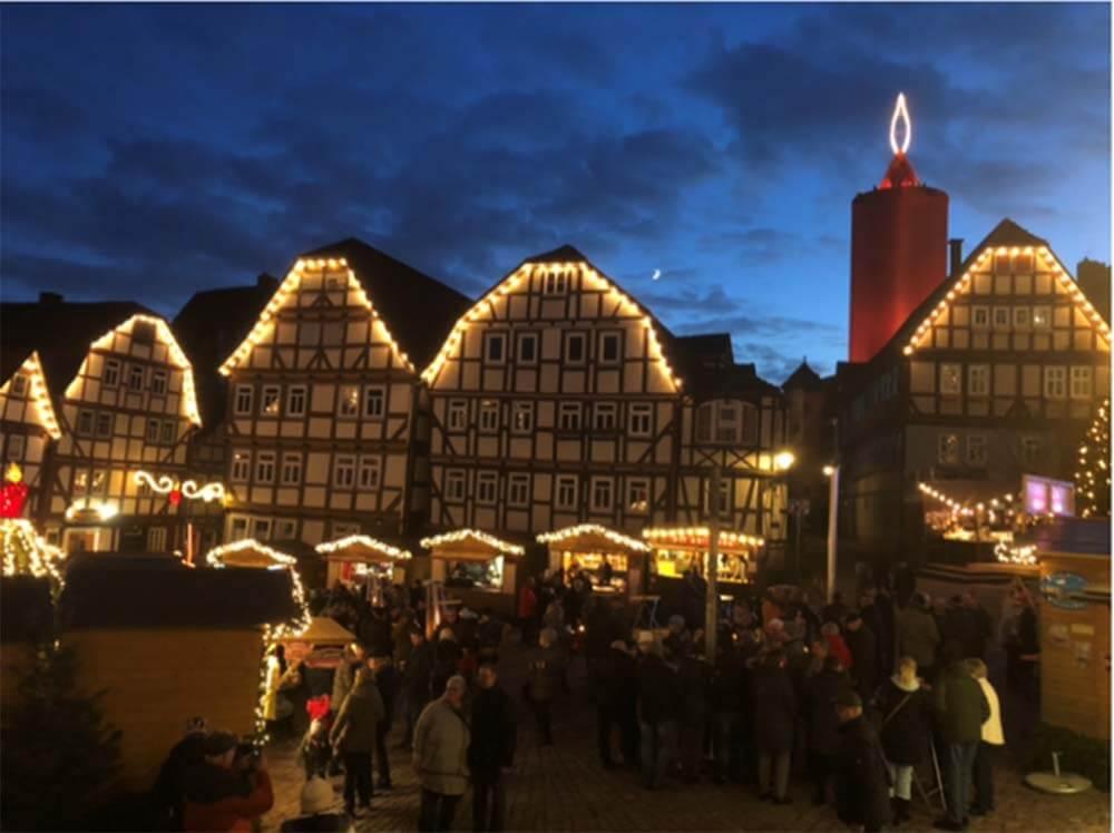 schlitzer-weihnachtsmarkt-2019-am-marktplatz-in-schlitz_ferienwohnung-schlitz.de